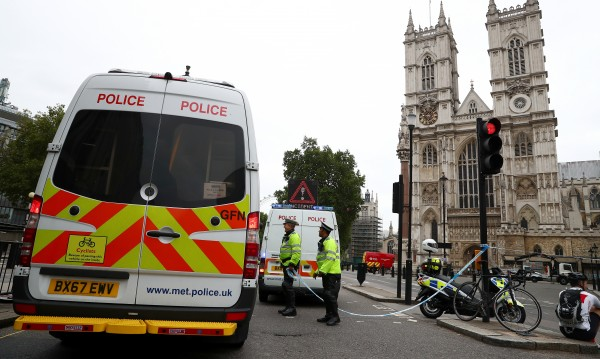 Двама са ранените в Лондон, антитерористите разследват!