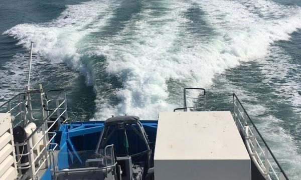 Слагат плаващи заграждения заради мазута край Созопол