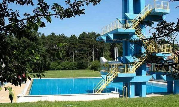 """Възстановяват басейна """"Мария Луиза"""" в Борисовата?"""