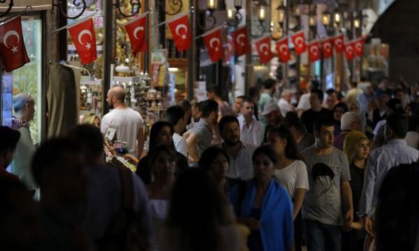 Рай за туристите и за джобовете им в Турция: Всичко е по-евтино!