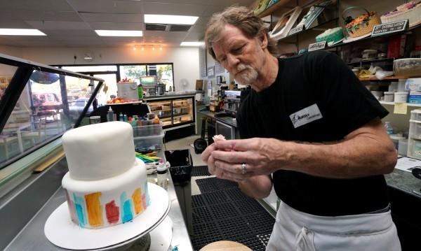 Санкционират US сладкар, отказал торта за... смяна на пола