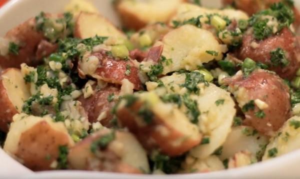 Рецептата Dnes: Печени червени картофи с горчица и мед