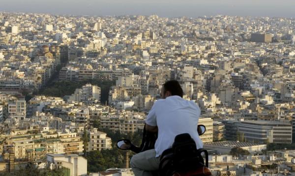 Имате имот в Гърция? Правят промени в данъците – ниски, високи...