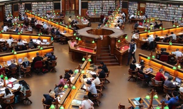 Отлив на BG студенти към университети в чужбина
