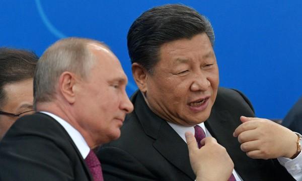 Китай умело примамва Украйна в капан, а Путин умее да чака