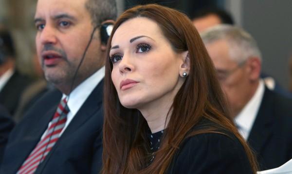 """НФСБ: Козарева в Агенцията по вписванията през """"задния вход""""!"""