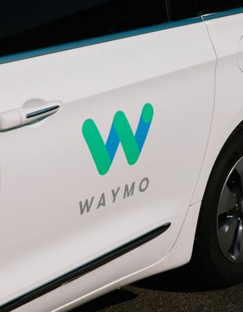 Google навлиза със самоуправляващи коли в Китай