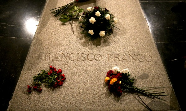 """Испания каза """"Да"""", ще ексхумират диктатора Франко"""