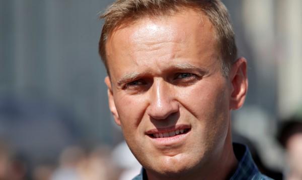 Арестуваха опозиционера Алексей Навални пред дома му