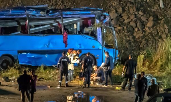 Пътниците в автобуса ковчег - без колани, без застраховка?