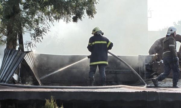 Търсят се 250 пожарникари, спасители, водолази