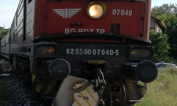 60-годишен загина на прелез, ударен от два влака