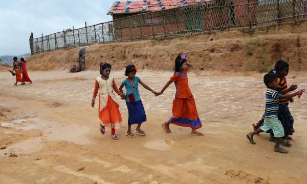 За рохингите: Как майка да преживее гледката на децата си, хвърлени в огъня?