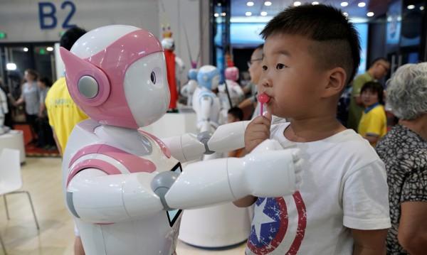 Кико – роботът възпитател в детските градини! За скромните €1280