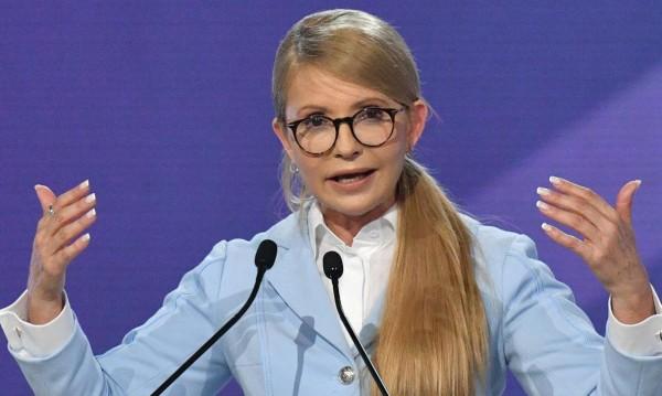 Тимошенко иска властта! Президент на Украйна да е