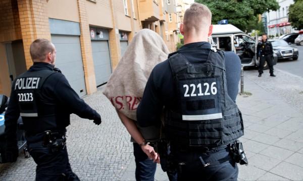 Съдят осмината българи, насилили момиче в Германия