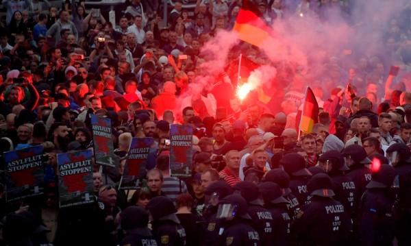 """Стара """"любов"""": Германската провинция Саксония и крайната десница"""