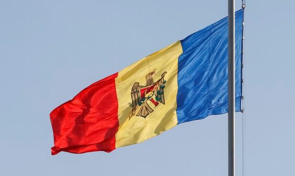 Хиляди в Кишинев за обединяване на Молдова и Румъния