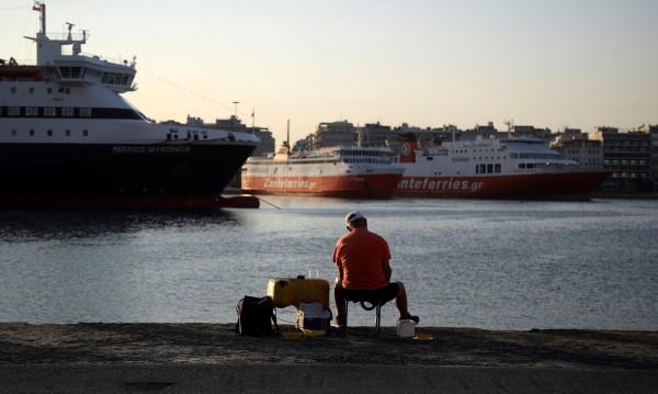 МВнР предупреди за проблеми с плаването до гръцките острови