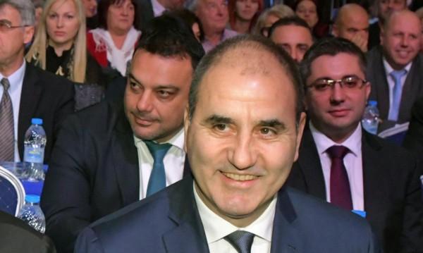 Цветанов: Премиерът прие оставките, но да видим НС!