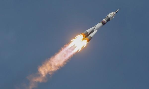 """Въздух изтекъл от """"Союз"""" от дупка, направена със свредел"""