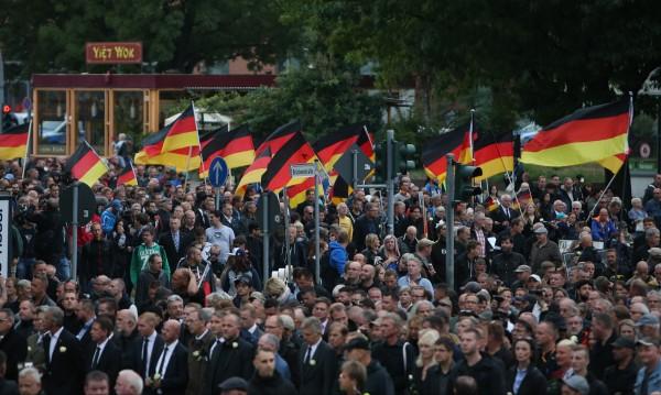 АзГ набира скорост в Германия... За сметка на ГСДП