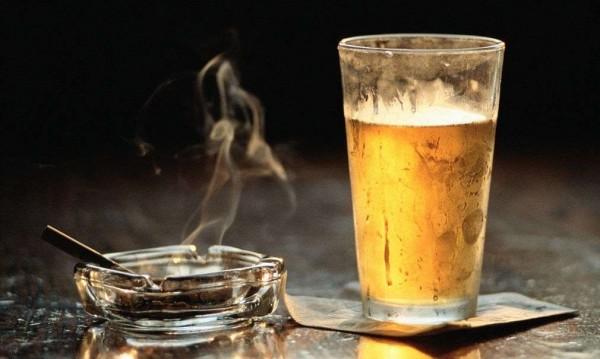 От 2000 година до днес: Цигари и алкохол у нас скочили 5 пъти