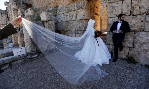 Имами в Турция скандализираха: Момичетата могат да се женят на 9!
