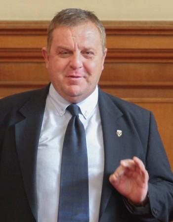 Каракачанов: Първо да излезе истината, после оставките!