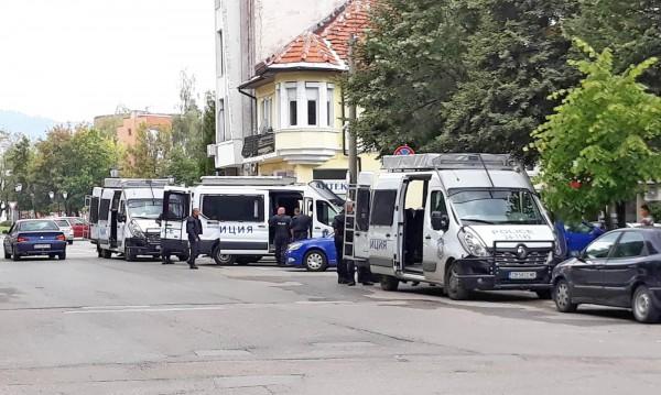 Убиецът от Самоков - бивш пожарникар. Оръжието му законно
