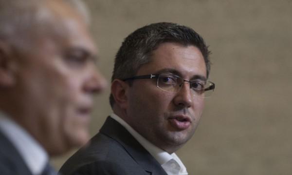 Министърът не си отива: Нанков си остава, Московски и Радев – аут?