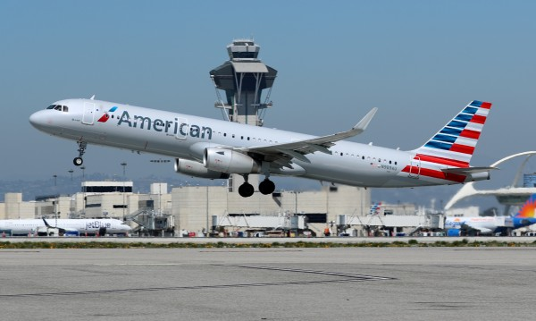 Пътници на полети от Европа до САЩ със симптоми на грип