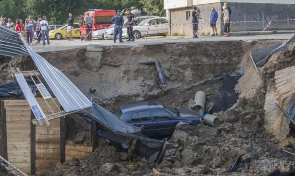 """Спират строителството на пропадналия обект в """"Овча купел"""""""