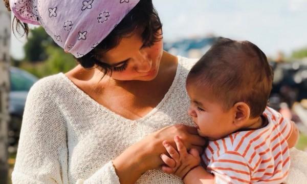 Селена Гомес и роми от София – любов от пръв поглед!