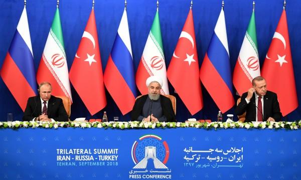 Триото Иран, Русия и Турция търсят решение за кризата в Идлиб