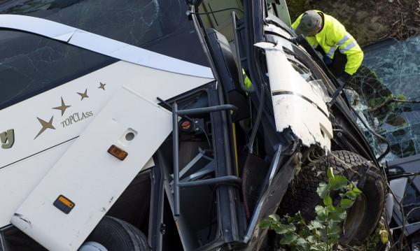 Шест души загинаха в катастрофа на автобус в Турция