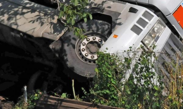 Катастрофата в Разград: Един в кома, трима с фрактури