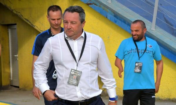 Стоянович ще се раздели с част от играчите на Левски