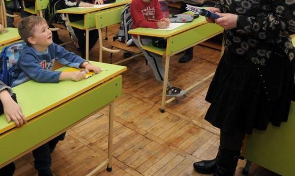 Всички училища в София в една смяна - след 10 години