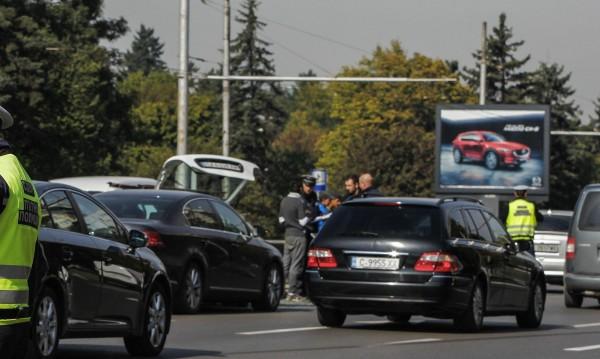 Самоков на протест, блокират пътя за Дупница