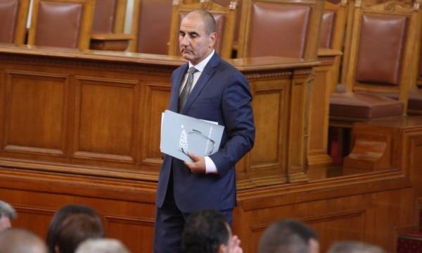 Търсят се министри: Професионалисти, да изпълняват програмата...