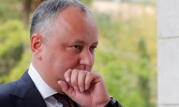 Президентът на Молдова попадна в катастрофа, но е добре