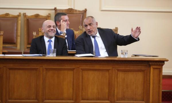 Само Борисов е сигурен! До 2021-ва сменя още министри. Кои?
