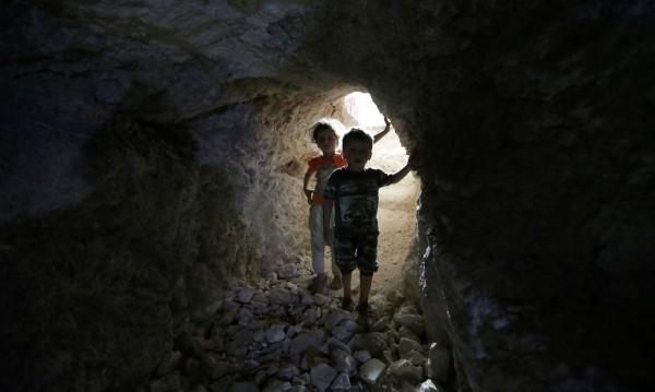 Несигурното бъдеще на потъналата в руини Сирия
