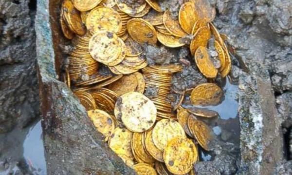 Златно съкровище открито при разкопки в Италия