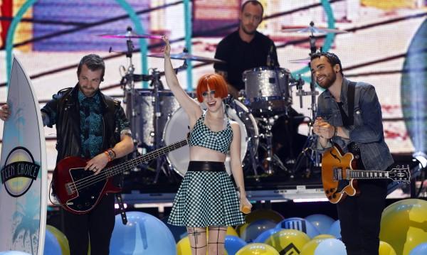 Paramore спират да изпълняват един от най-големите си хитове