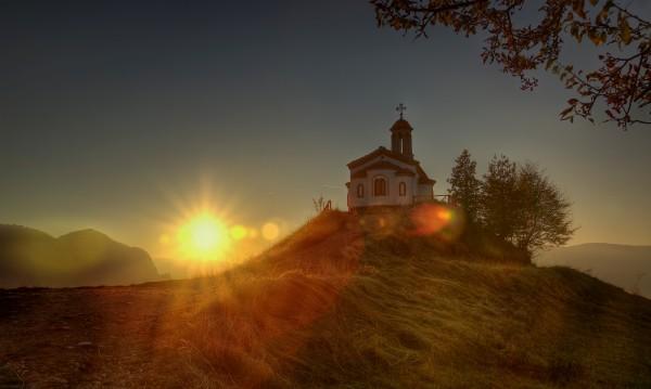 Чудесата на Кръста: Незрящи виждат красота, сакати поемат по пътя си!