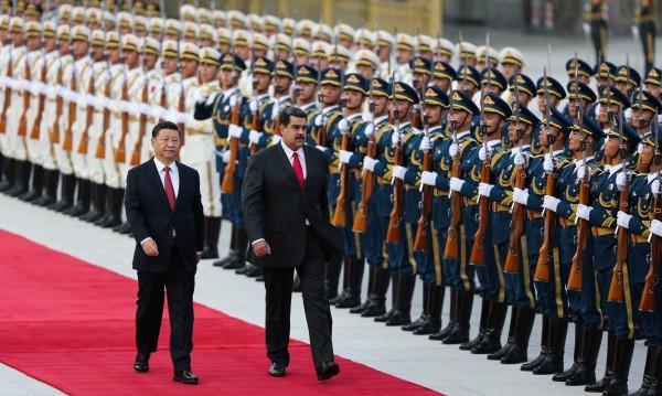 Китай подава ръка на Венецуела: Дават икономическа помощ