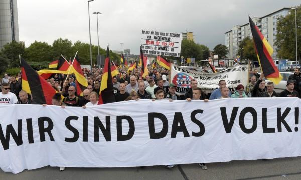 Екстремисти, популисти... Откъде се взеха толкова неонацисти в Германия?