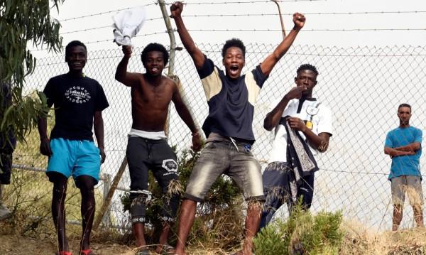 Трафикантите: Незаобиколим фактор за мигрантите!